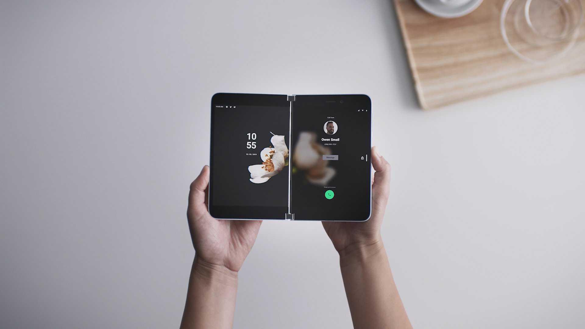 Surface Duo inclura un accessoire supplémentaire à l'arrivée en Europe