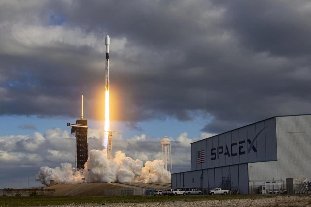 Lancez Falcon 9