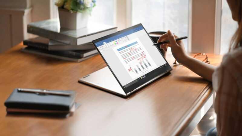 Le Lenovo ThinkPad X1 Titanium Yoga est un convertible conçu pour résister à tout