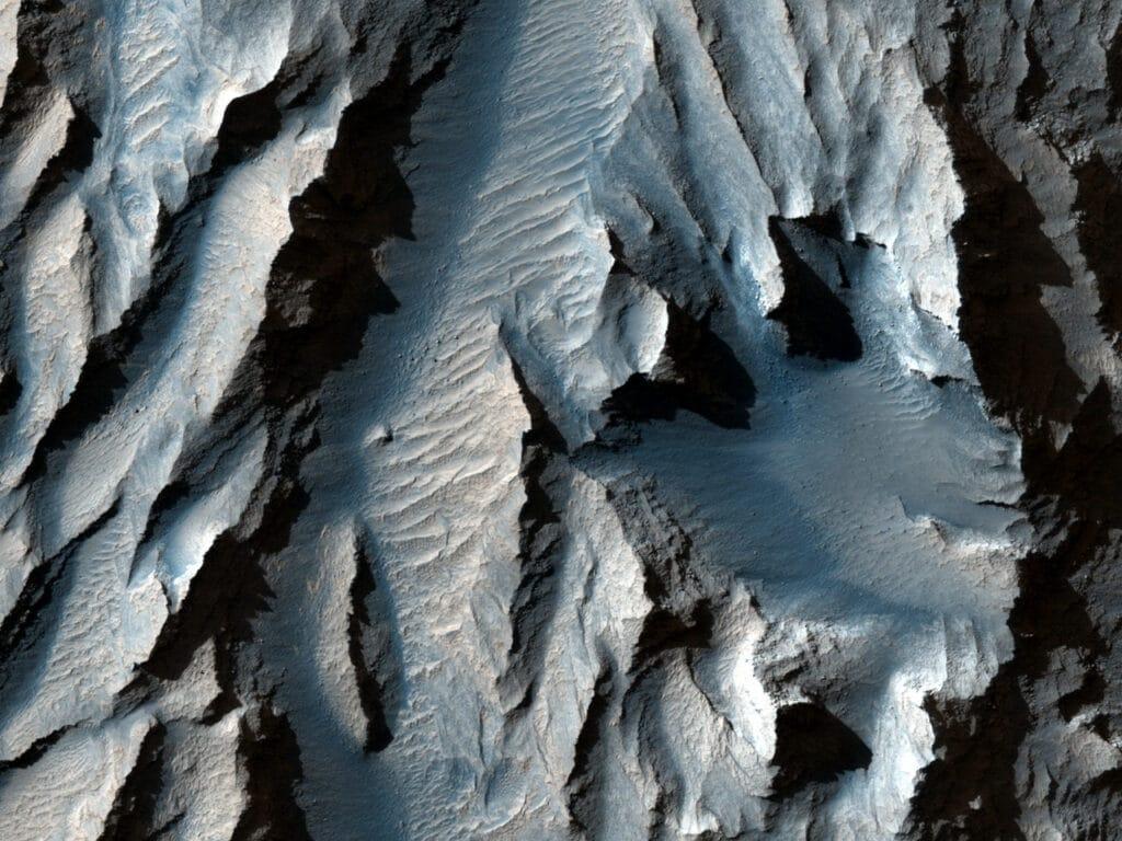 Image du tithomium chasma, capturée par une caméra en orbite, sur mars