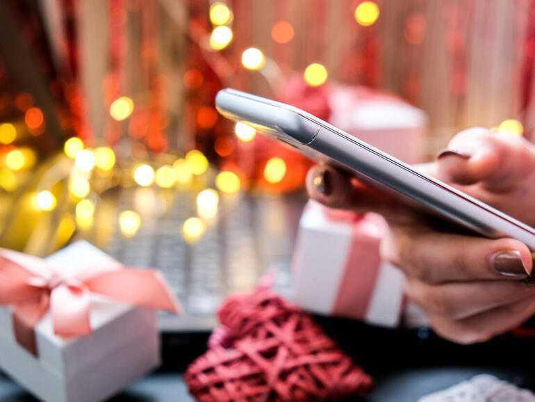 Un guide cadeau pour la Saint-Valentin pour les amateurs de technologie