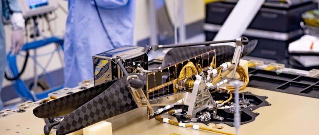 Ingéniosité lors de l'assemblage au Jet Propulsion Laboratory (JPL) de la NASA.