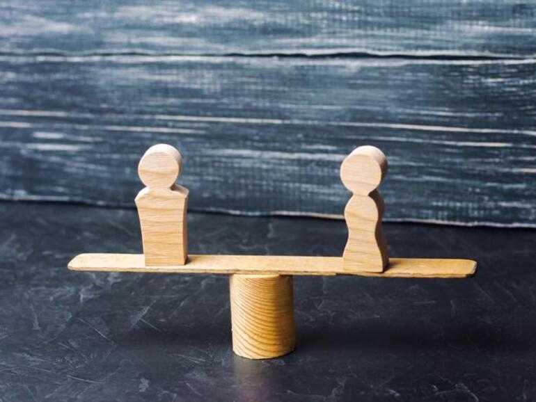 L'écart entre les sexes pour le COVID-19: comment la pandémie mondiale a forcé les femmes à quitter le marché du travail en masse