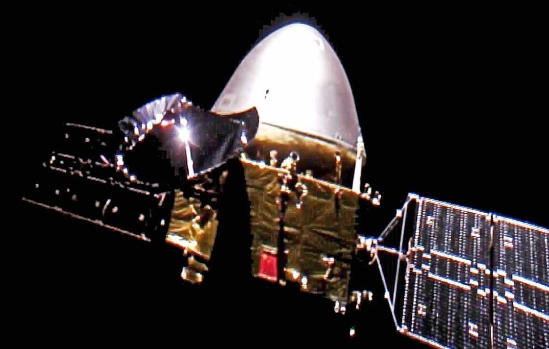 Un selfie Tianwen-1, pris alors que le vaisseau spatial était à 29,4 millions de km de la Terre