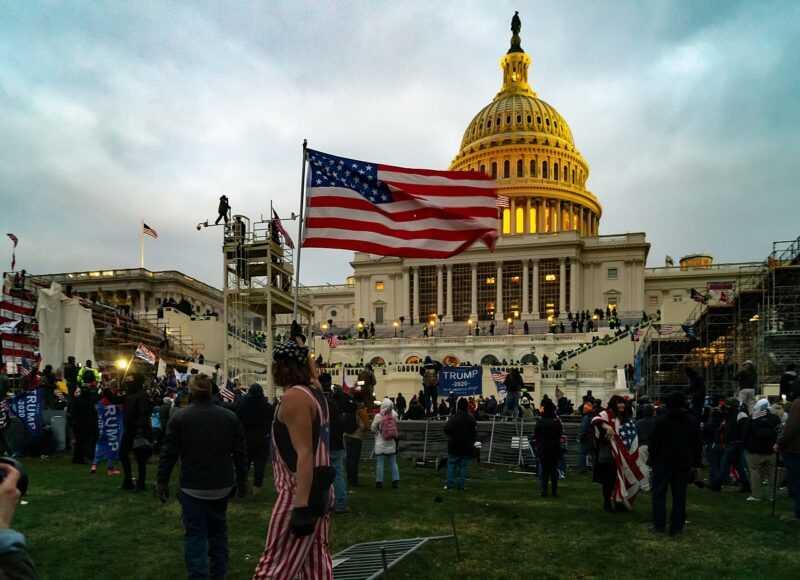 Microsoft suspend les dons aux politiciens qui votent contre les résultats de Biden
