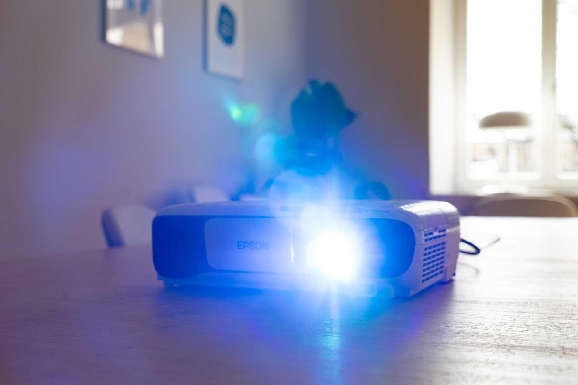 Lumière d'affichage: lentes, lumens, candela et autres unités de mesure expliquées