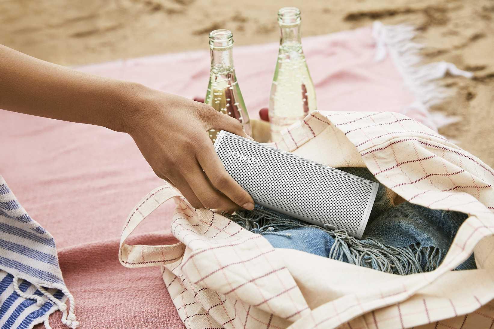 Sonos Roam: compact, flexible, élégant - le nouveau haut-parleur intelligent de Sonos
