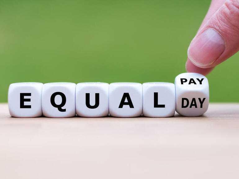 Comment le COVID-19 pourrait affecter le salaire des femmes en 2021