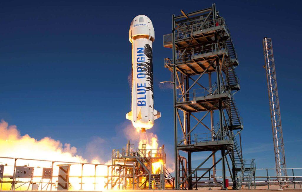 Décollage d'une nouvelle fusée Shepard depuis la base Blue Origin dans l'ouest du Texas