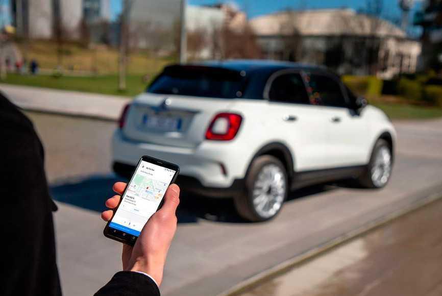La nouvelle Fiat 500 Hey Google intègre l'assistant à fond dans la voiture
