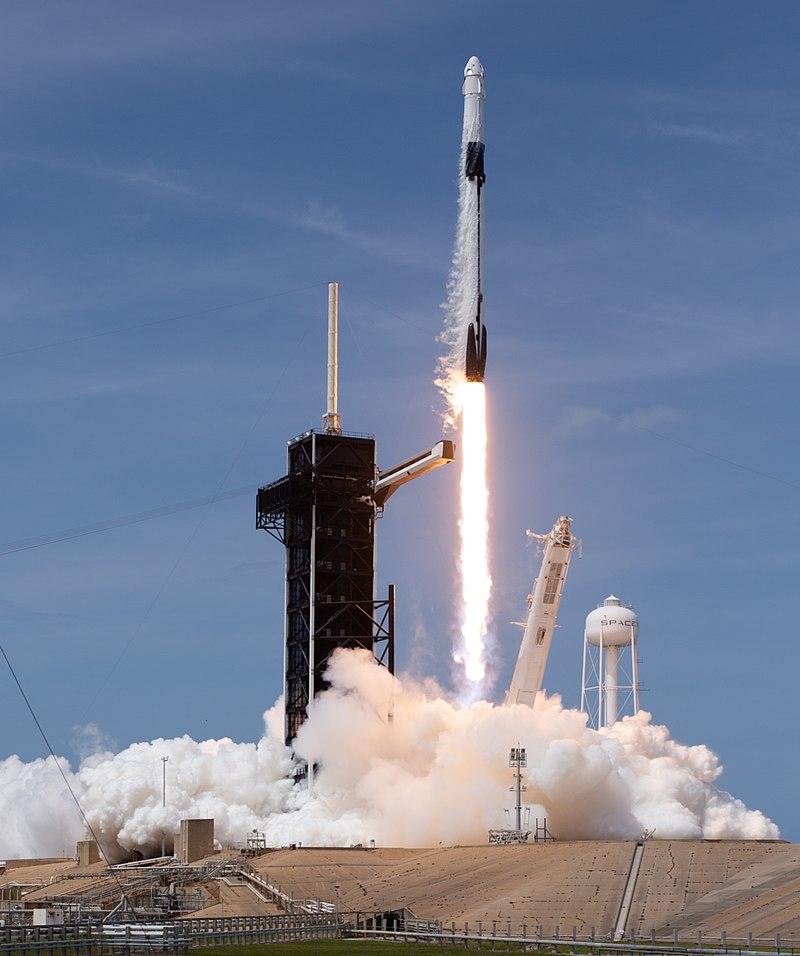 SpaceX effectue le 100e lancement consécutif de Falcon 9 et termine Starlink