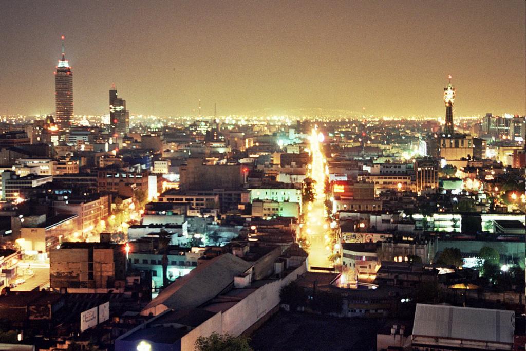 Pollution lumineuse à Mexico.  Crédits: Fernando Tomás