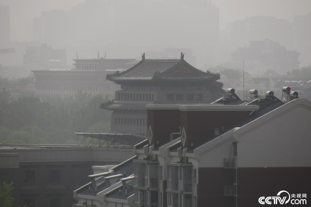 1619569629 270 Sandstorm couvre une ville en Chine regarder la video