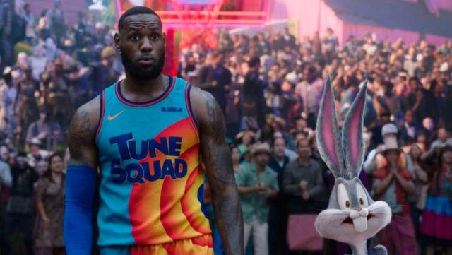 Space Jam New Legends: LeBron James prend la piste dans une bande-annonce pleine de camées