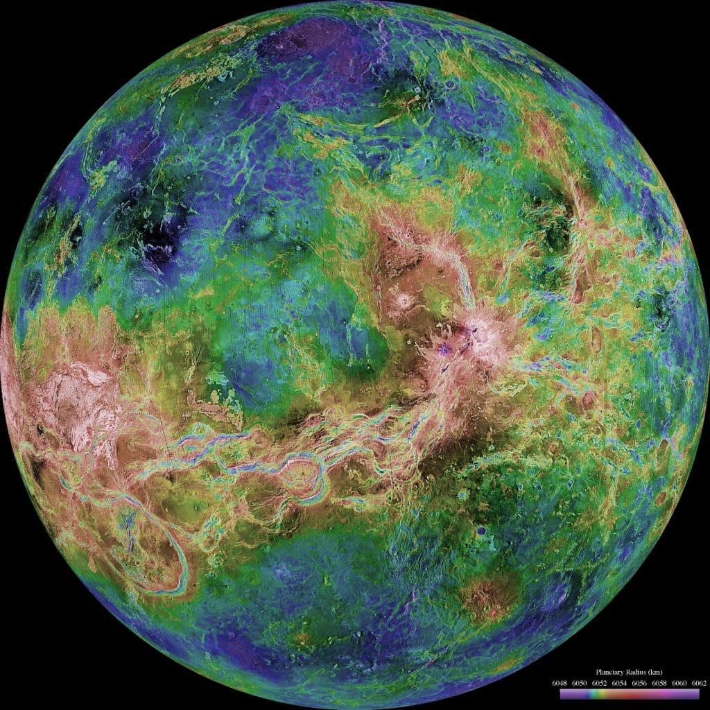 Vue hémisphérique de Vénus depuis le vaisseau spatial Magella le 4 juin 1998