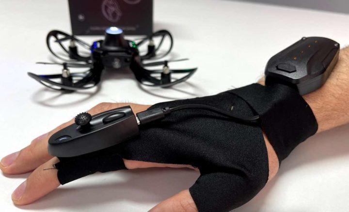 1622661857 972 Helix Le petit drone qui se controle par des