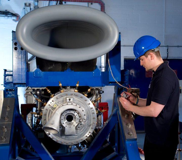 1623097985 412 Rolls Royce teste un puissant systeme de propulsion hybride electrique pour laviation