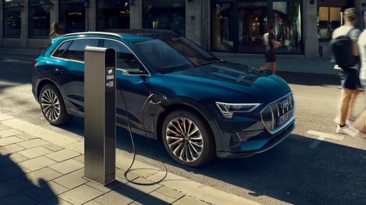 Combustion de marque de voitures électriques Audi