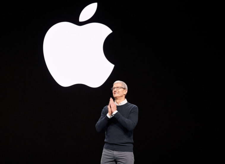 Apple wants employees back in the office for three days per week by September
