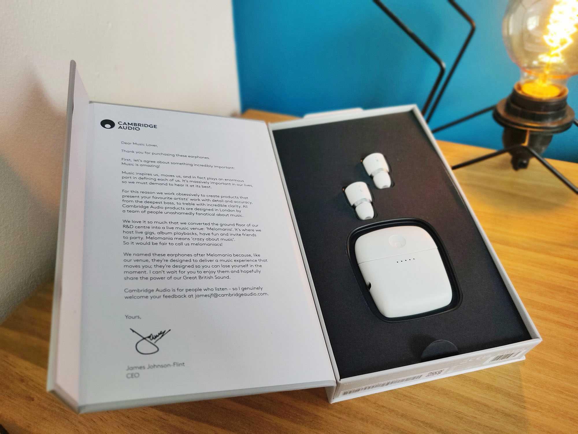 Cambridge Audio Melomania 1 Box Boite Packaging Open