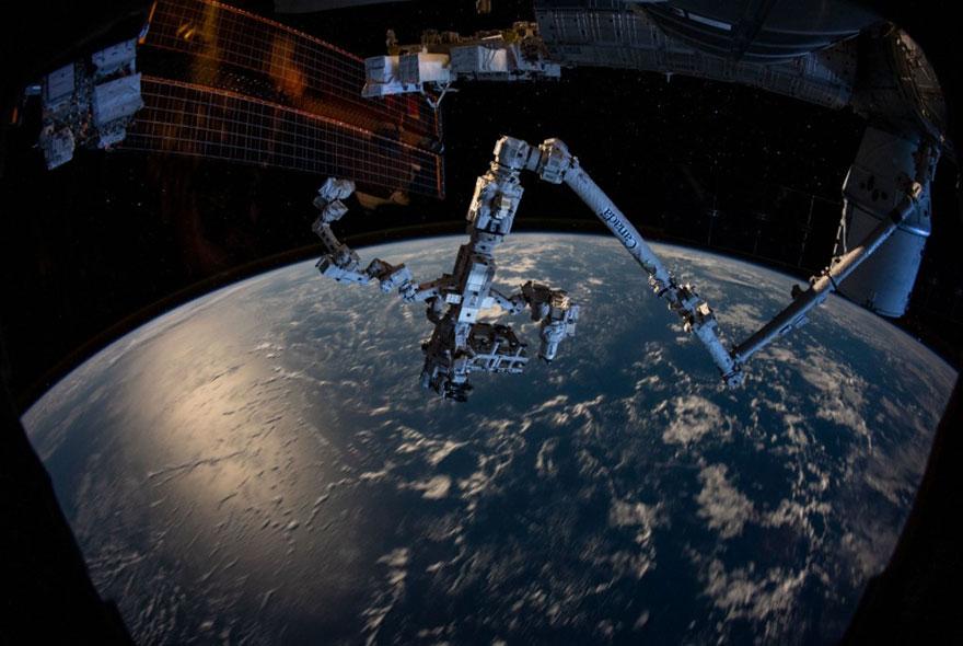 Bras robotique de la Station spatiale internationale (ISS)