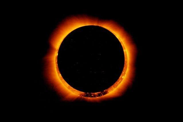 Leclipse solaire annulaire assombrit le ciel du 10 juin