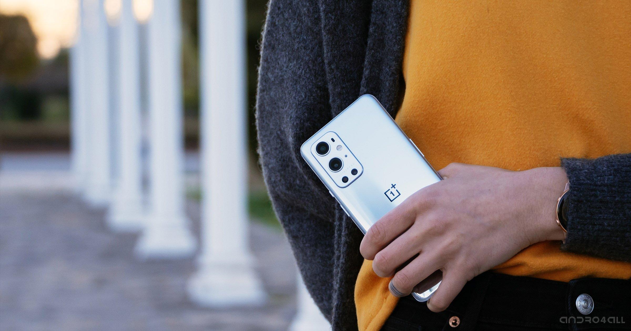 L'arrière du OnePlus 9 Pro dans Morning Mist
