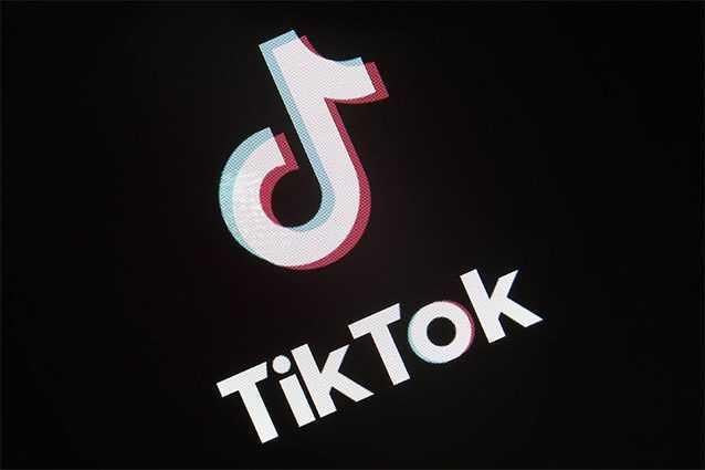 Sur TikTok il tourne la vidéo d'une décapitation : le réseau social l'enlève et s'excuse