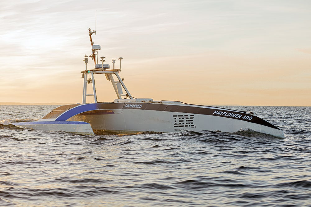 A robot boat that sails alone fails in its first attempt