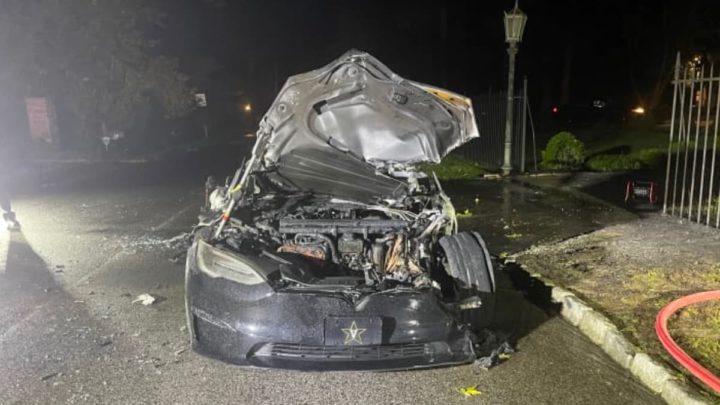 Plaid Tesla Image Model S détruit