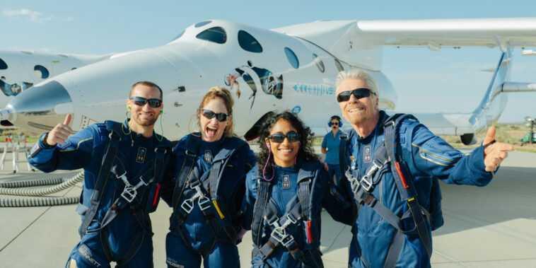 Virgin Galactic Lance Le Milliardaire Richard Branson Dans L'espace Lors
