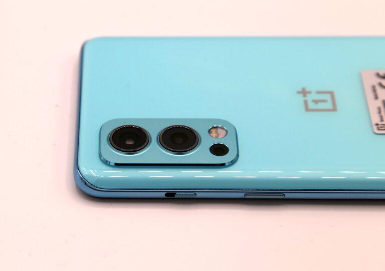 La triple caméra du OnePlus Nord 2. (Photo : Sven Wernicke)