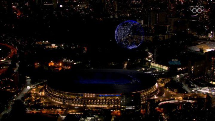 1627077785 565 Plus de 1800 drones ont illumine la ceremonie douverture des