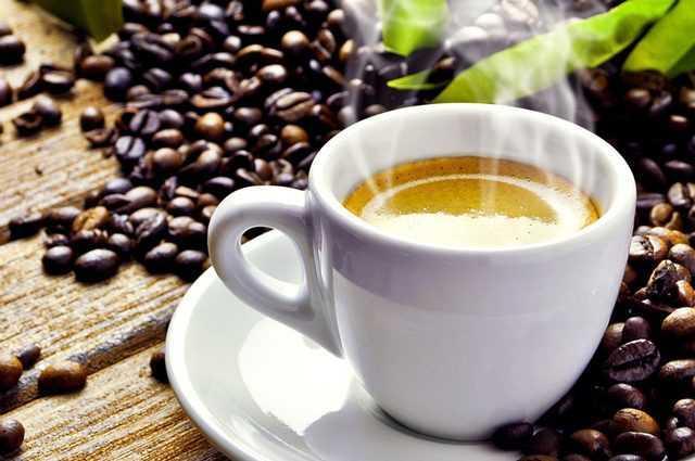L'odorat diminue avec l'âge, mais seulement pour certaines odeurs : après 55 ans, le café est moins apprécié