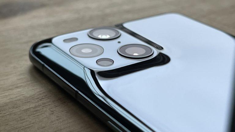 Plus petit qu'il n'y paraît sur les photos: l'appareil photo se resserre dans le Find X3 Pro