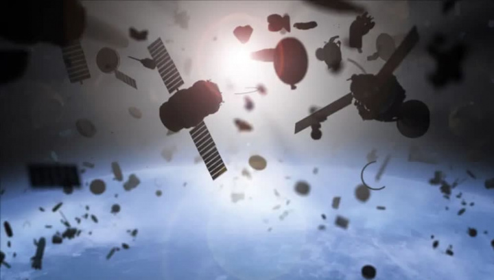 Image d'illustration d'ordures dans l'espace en orbite autour de la terre.  Satellites itinérants et débris
