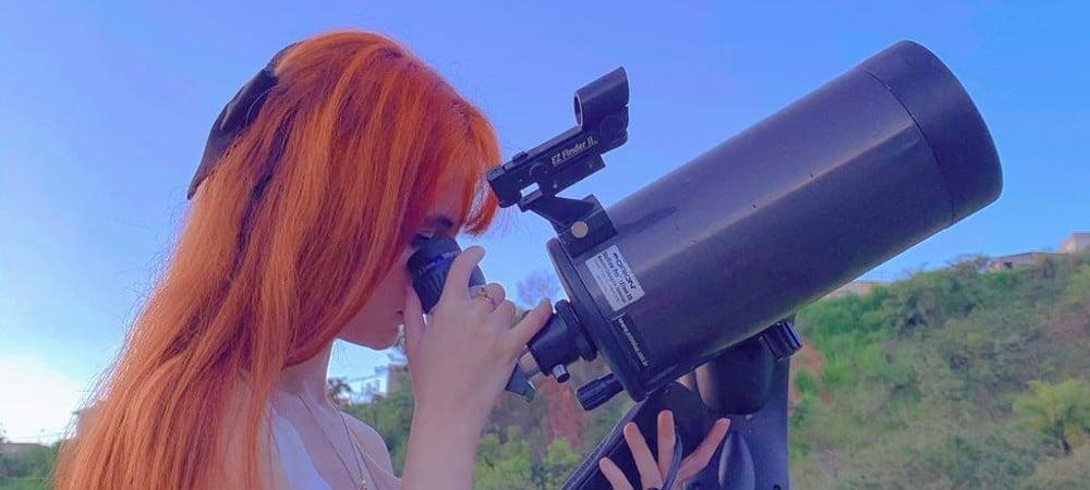 Lorrane Olivlet, brésilienne qui a découvert quatre astéroïdes en une nuit