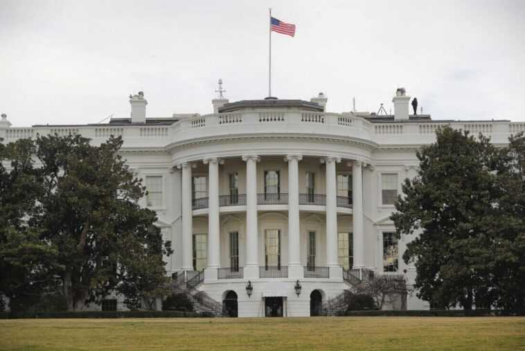 Le Président Biden Aurait Rencontré Cook, Nadella Et D'autres Leaders