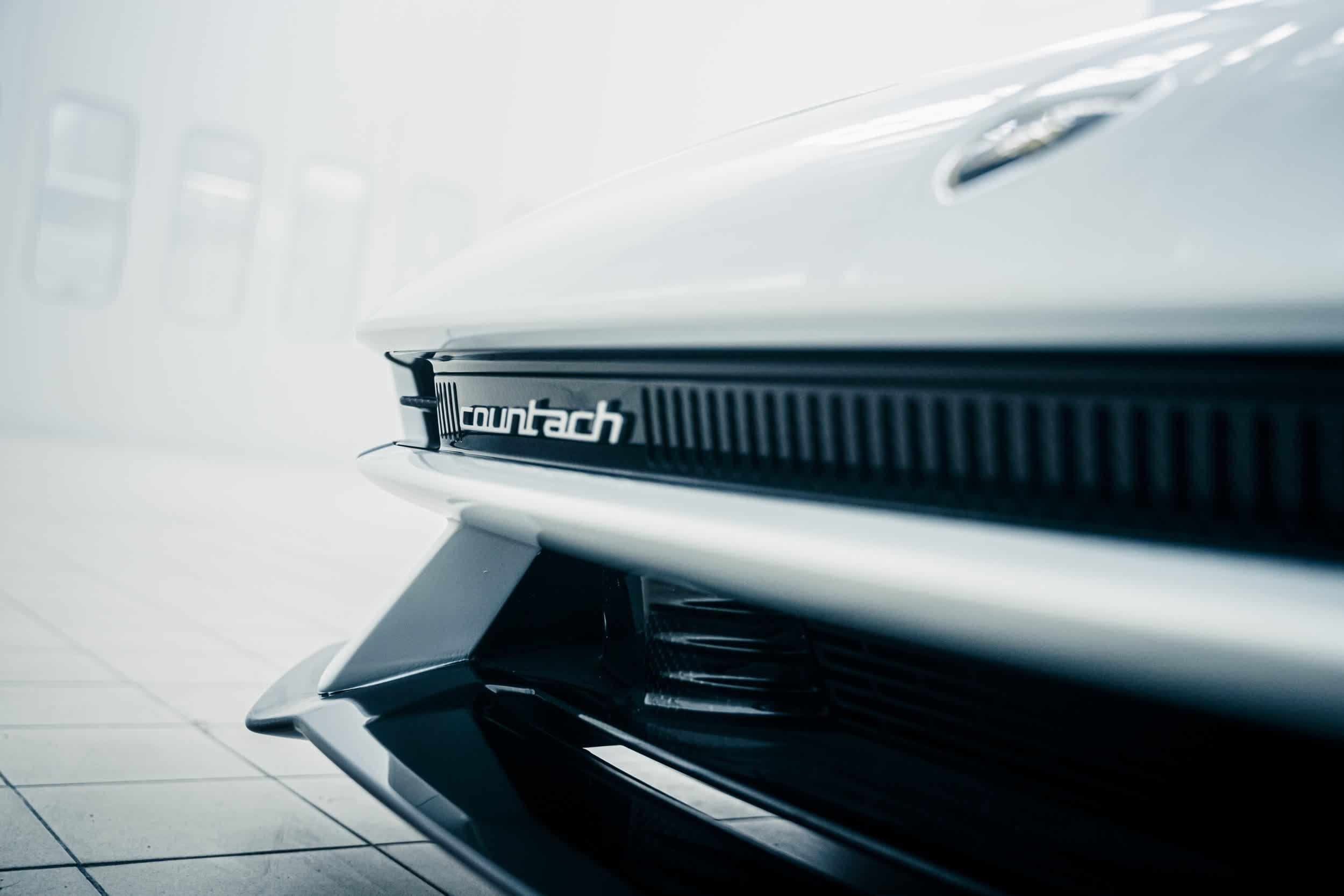 Lamborghini ramene la Countach en tant quhybride en edition limitee