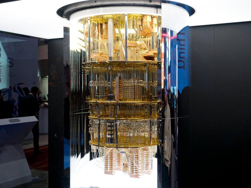 Une nouvelle découverte pourrait apporter des ordinateurs quantiques, comme le System One d'IBM, en moins de 10 ans