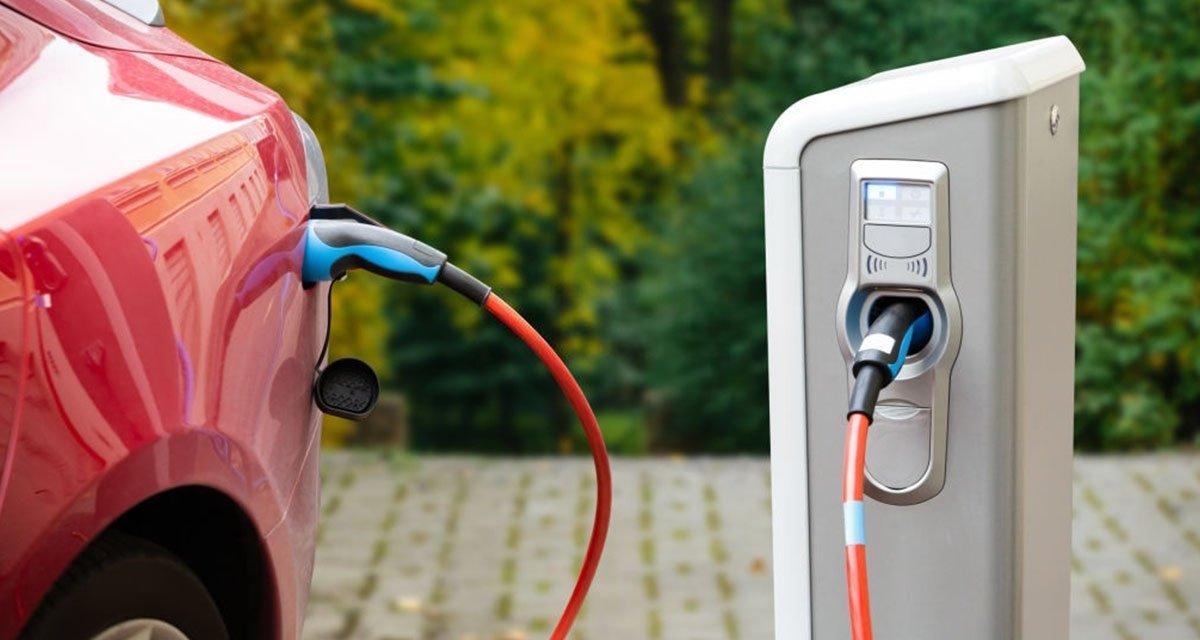 Les 8 meilleures applications pour les voitures électriques et localiser les points de recharge