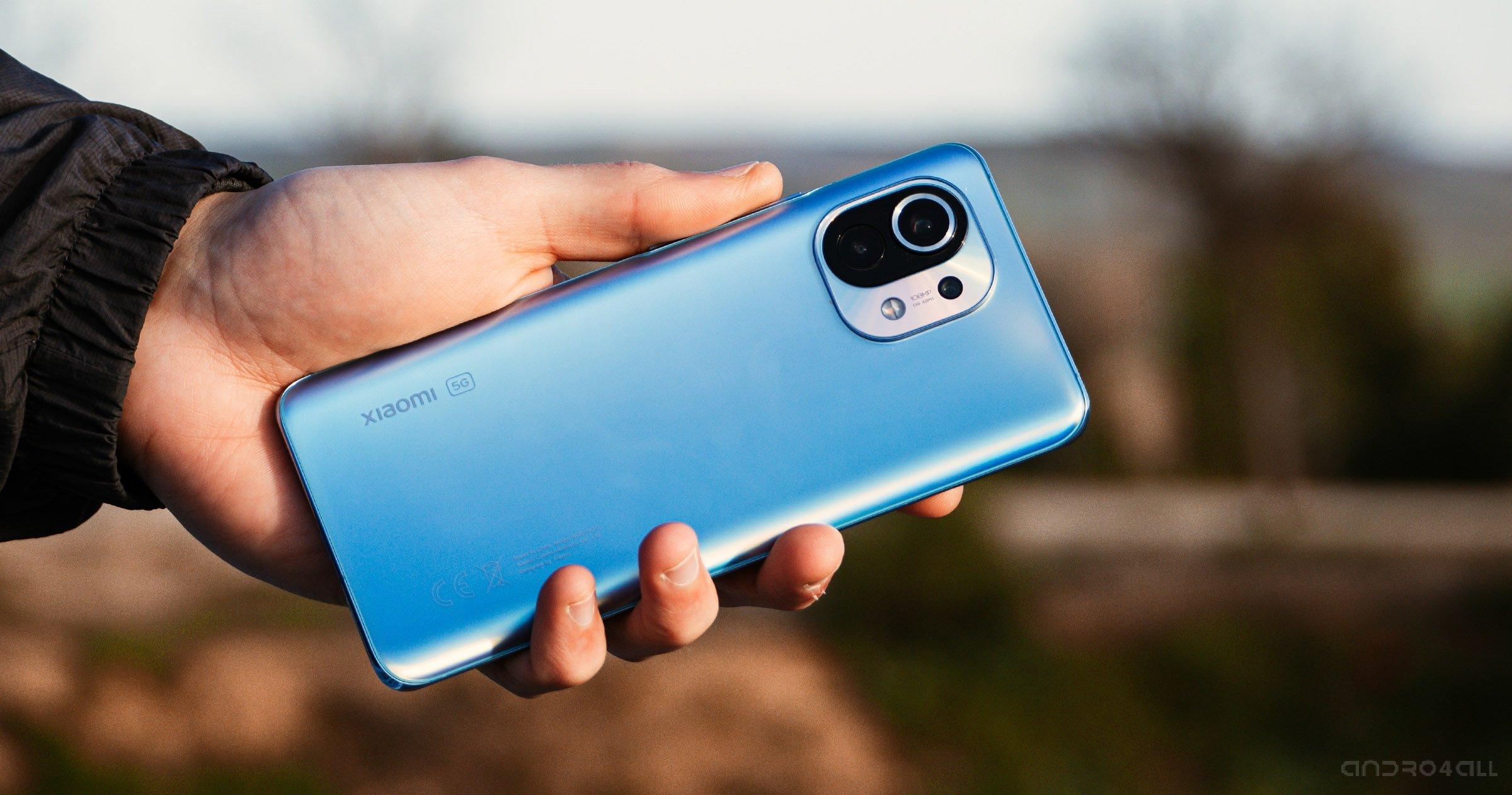 Le bleu Xiaomi Mi 11, arrière