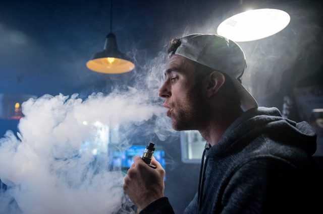 Une Demi Heure De Vapotage Avec La Cigarette électronique Augmente Le