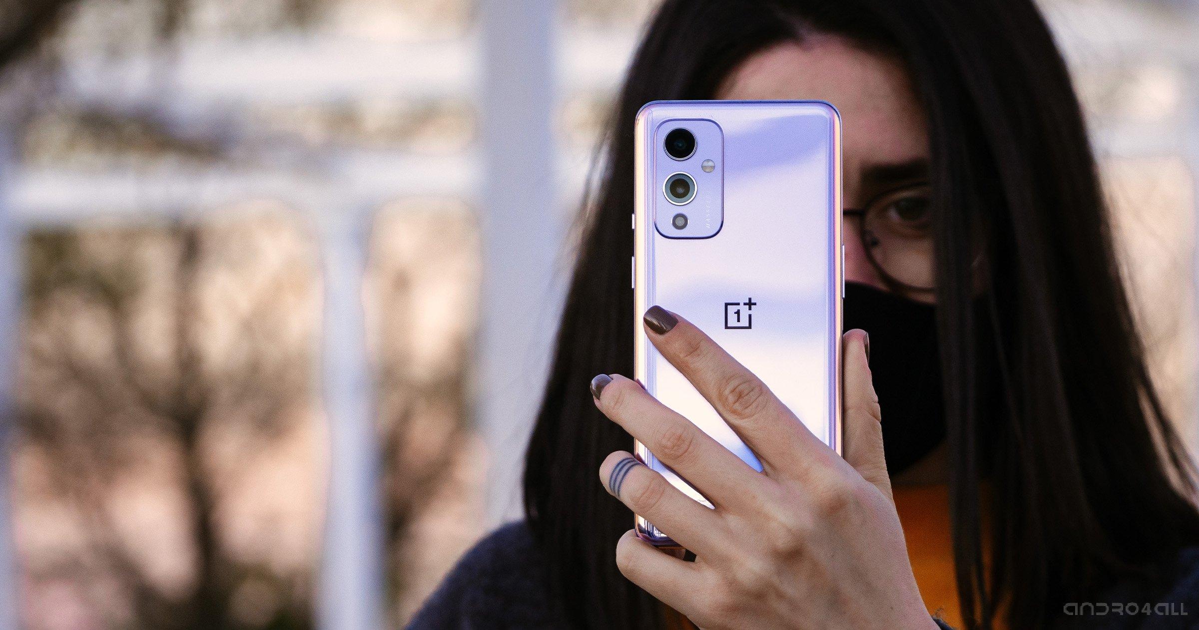 OnePlus 9 Pro de retour en violet vif