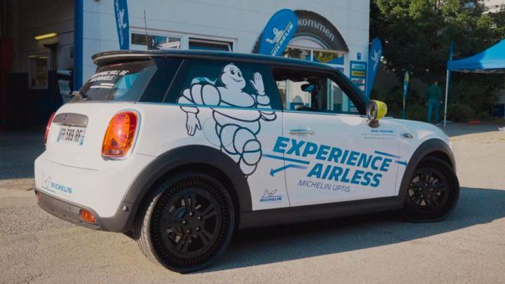 Image Mini Cooper avec pneu Michelin Uptis