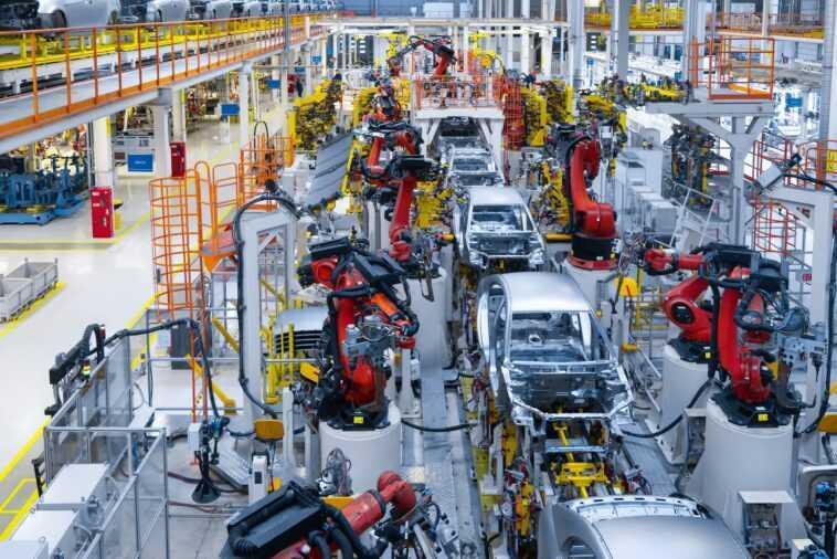 La Pénurie De Puces Frappe Durement L'industrie Automobile, Une Perte