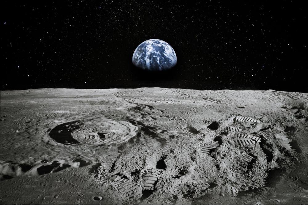 Image de la Lune avec la Terre en arrière-plan