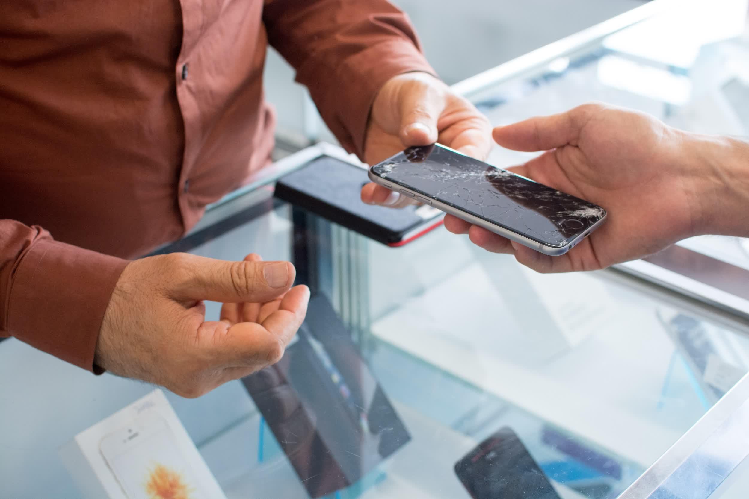 Les magasins T Mobile offriront des reparations de smartphones le jour