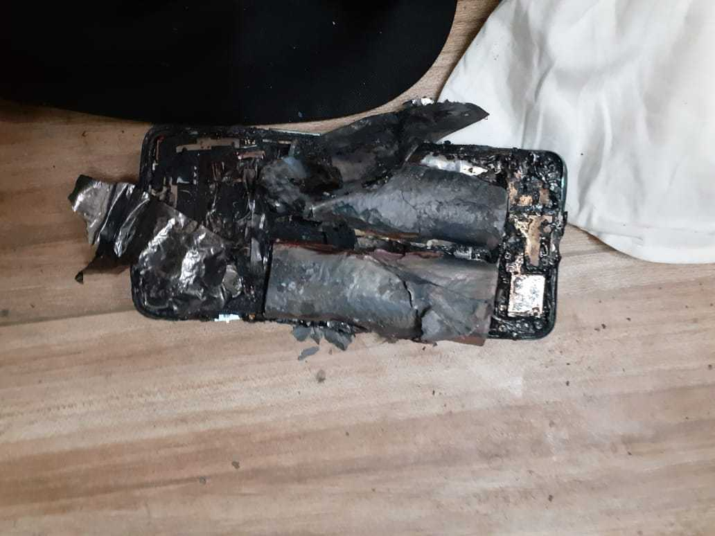 OnePlus Nord 2 5G explose dans la poche dun avocat