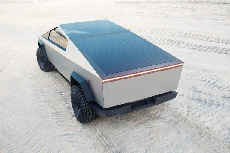 Tesla Cybertruck avec toit solaire au milieu d'un paysage désertique : est-ce l'avenir que nous méritons ? Image: Tesla